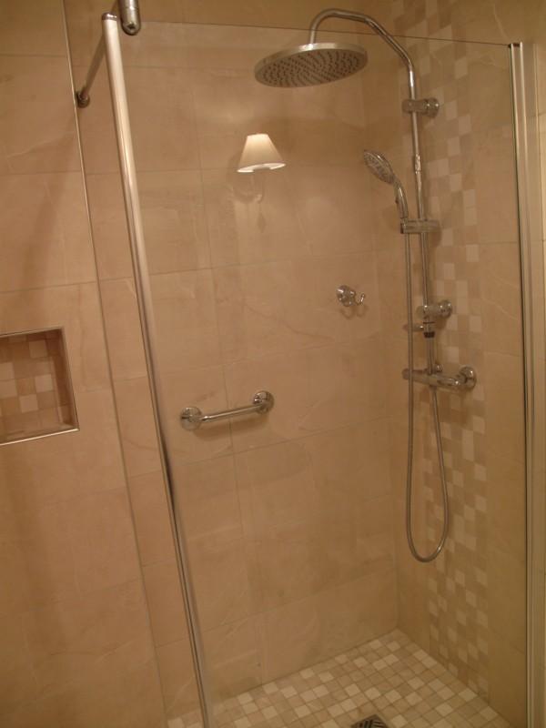 salle de douche a l 39 italienne 91 travaux de r novation dans le 75 78 91 et 92. Black Bedroom Furniture Sets. Home Design Ideas