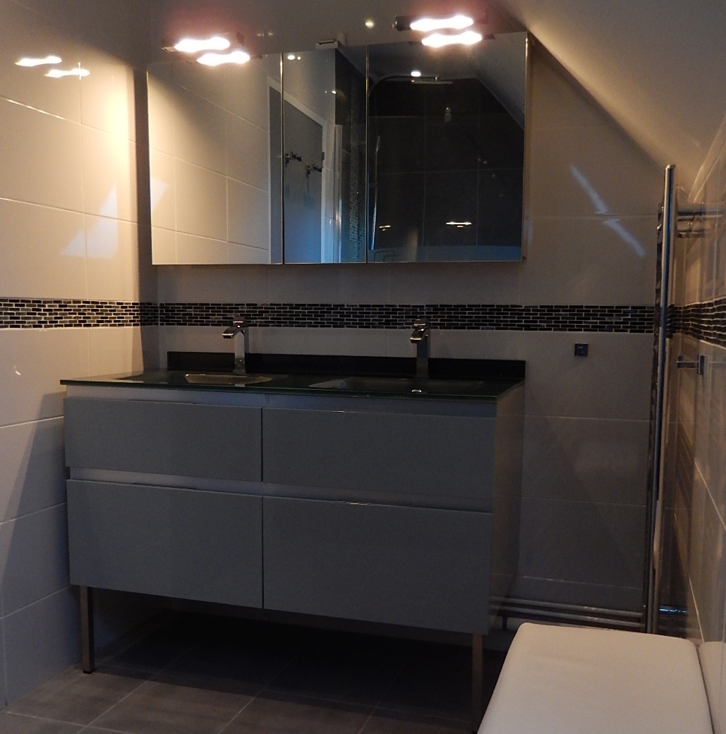 7 conseils pour optimiser l espace de votre salle de bain for Comment ventiler une salle de bain