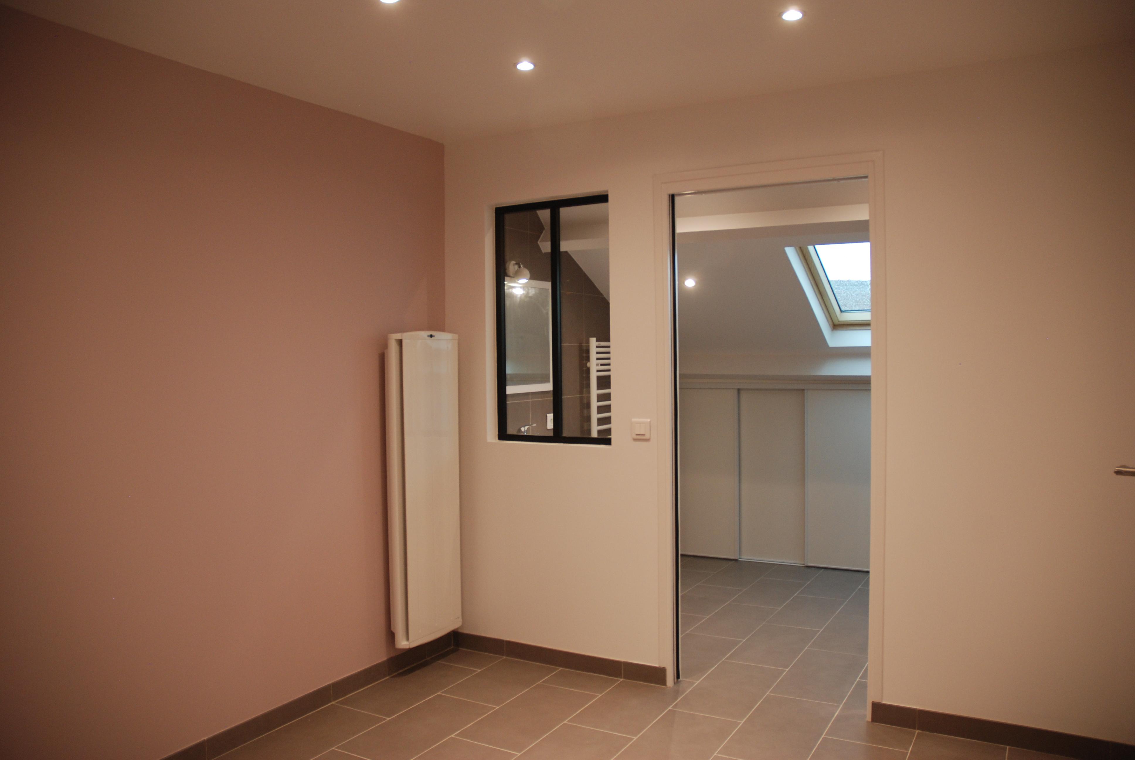 cr ation d 39 une salle de bain au dessus du garage r novation isolation mur porteur villiers. Black Bedroom Furniture Sets. Home Design Ideas